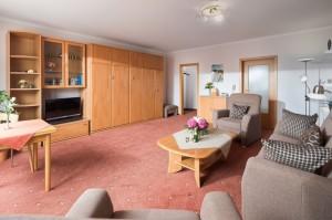 Whg. 1 Wohnraum mit Schrankbetten